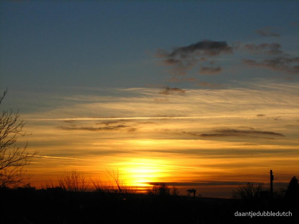 stripy sunset by daantjedubbledutch