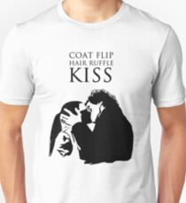 Sherlock and Molly Kiss II Unisex T-Shirt