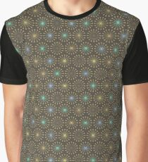 Geometric shapes of lines rays forming a circle Graphic T-Shirt