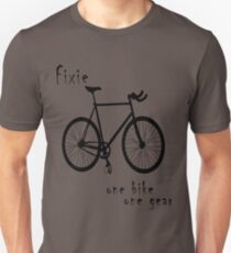 Fixie - one bike one gear Slim Fit T-Shirt