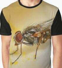 Fly on Flower Petal Graphic T-Shirt