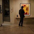 Ein Galeriebesucher von Celeste Mookherjee