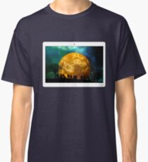 Tablet tree kahl moon human group silhouette background evening Classic T-Shirt