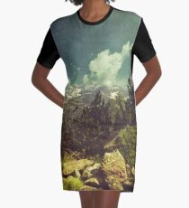 Italienische Berge T-Shirt Kleid