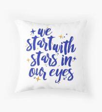 Wir fangen mit Sternen in unseren Augen an | Lieber Evan Hansen Dekokissen