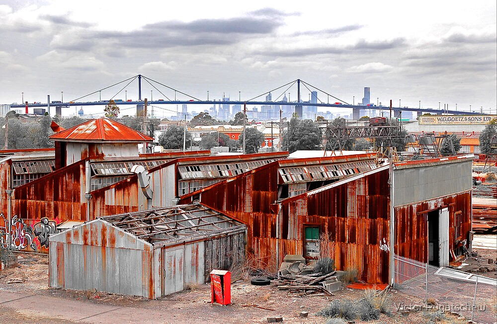 Altona Rust looking to Westgate Bridge by Victor Pugatschew