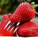Sharp Strawberries - Extreme Depth of Field study by Victor Pugatschew