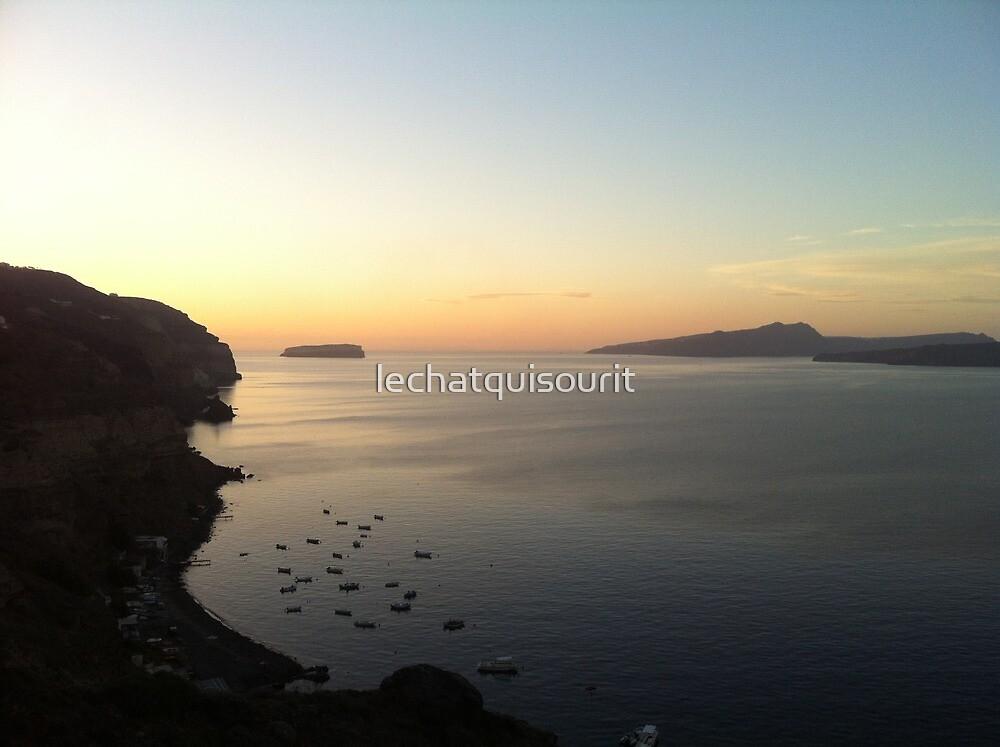 A Santorini Sunrise by lechatquisourit