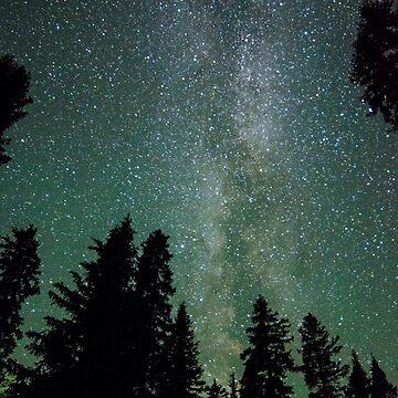Air Glow Milky Way by JennWanderer