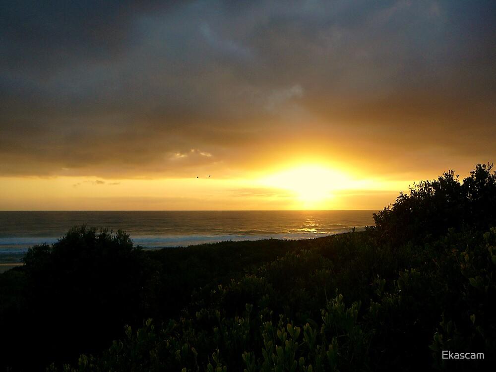 SUNRISE AT VALLA BEACH by Ekascam