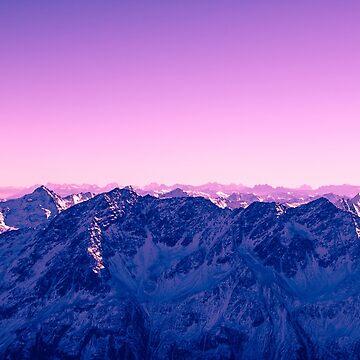 Rosa azul montañas nevadas de TravelDream