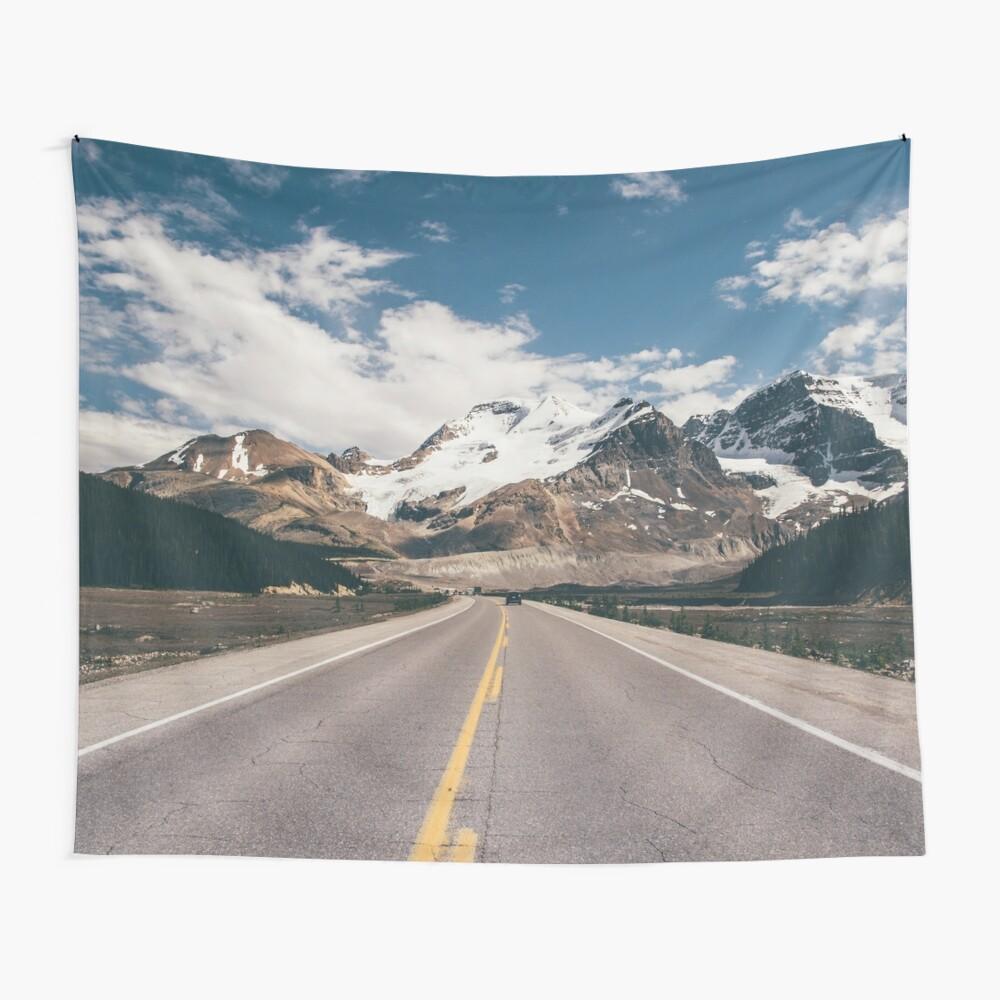Bergurlaub Road Trip Wandbehang