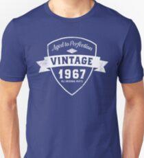 Born in 1967 Vintage Birthday Unisex T-Shirt