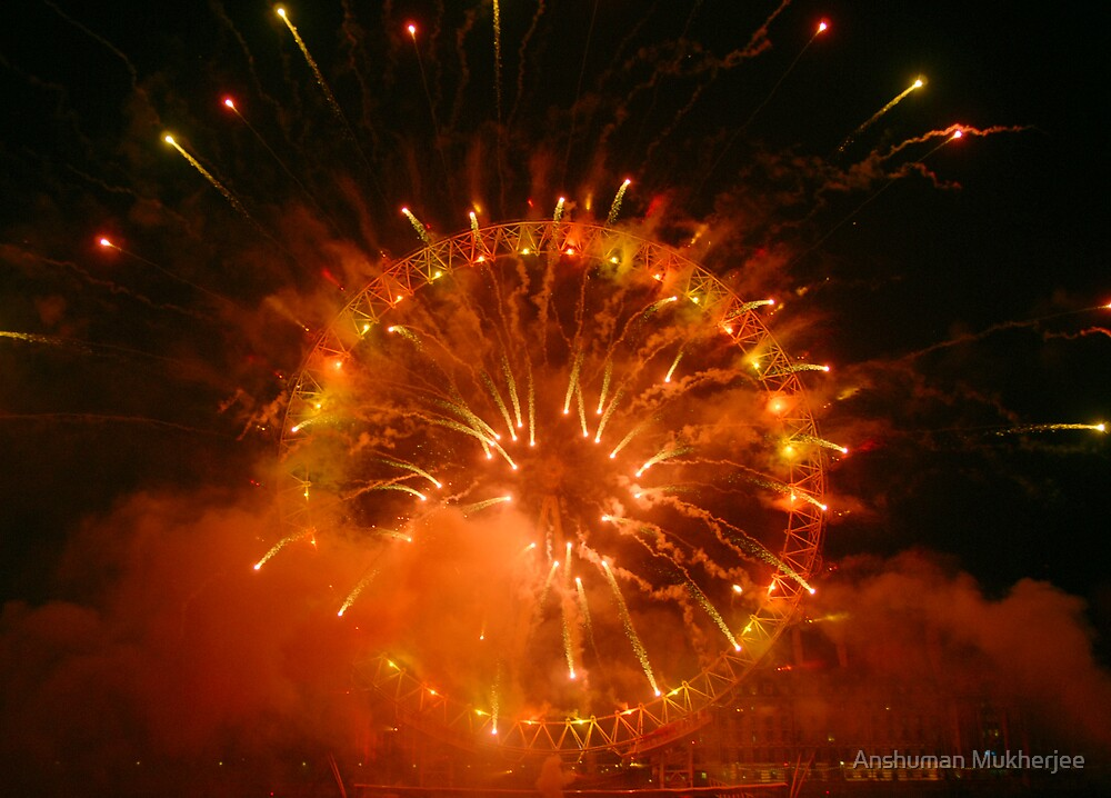 London Eye, New Year Fireworks (1st January 2008) by Anshuman Mukherjee