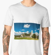 ancient and ruined castle in the italian countryside Men's Premium T-Shirt
