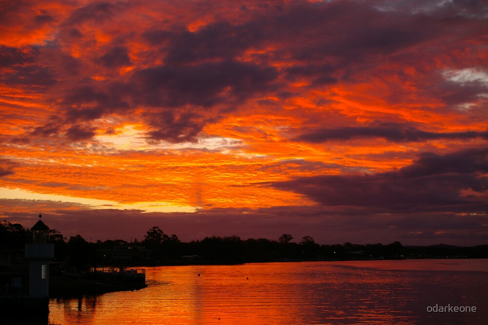 Sunset over Nth harbour by odarkeone