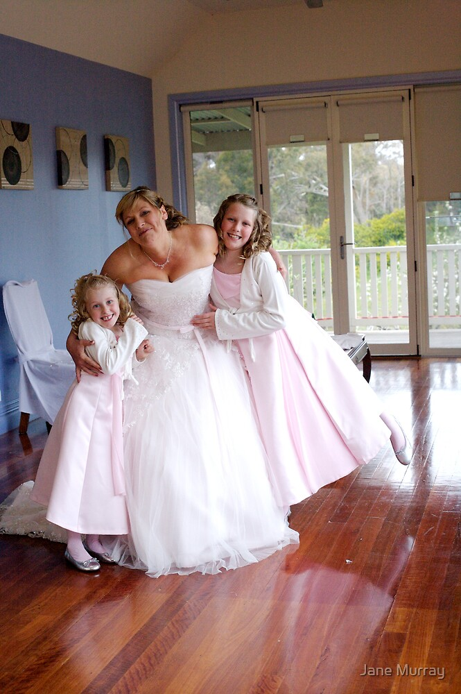 Daylesford wedding 2007 hugs by Jane Murray
