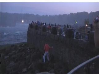 niagara falls over the railing  by bylawbreaker