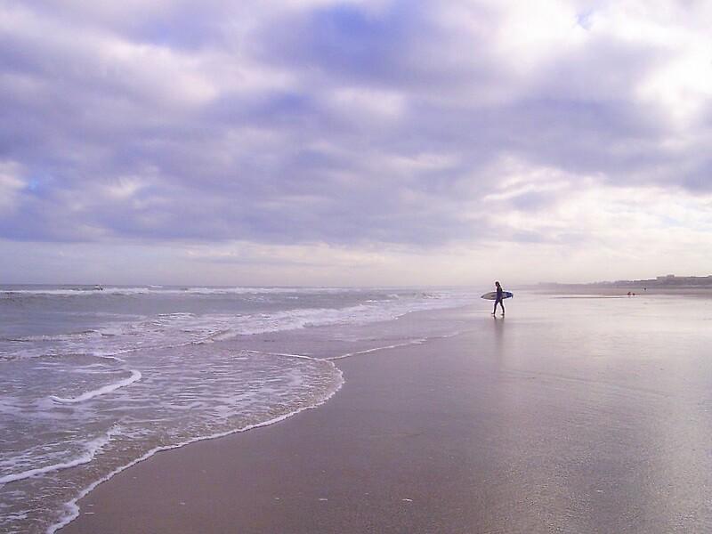 Surfer by garain