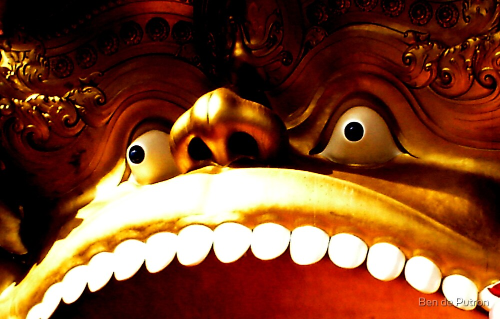 Golden Temple Dambulla  by Ben de Putron