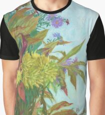 Fall bouquet with chrysanthemum and autumn foliage Graphic T-Shirt
