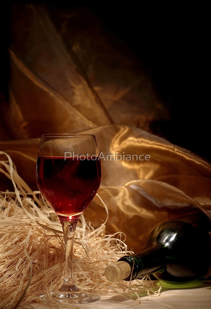 Red wine by PhotoAmbiance
