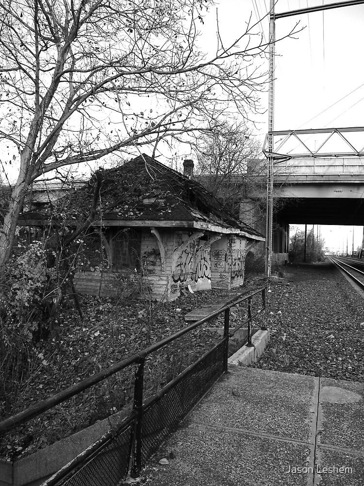Newport Train Station by Jason Leshem