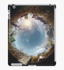 "Skyrim - ""A Mudcrab and Solitude"" iPad Case/Skin"