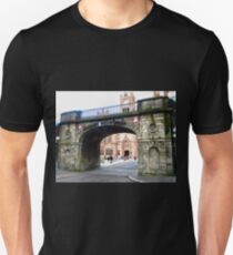 One of the Gates of Derry, Northern Ireland Unisex T-Shirt