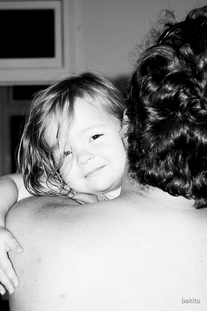 In Daddy's arms... by bekita