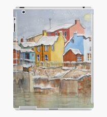 Schnee auf den Dächern iPad-Hülle & Skin