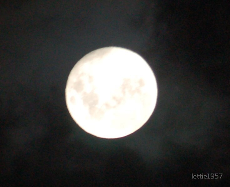Moon on Christmas Eve by lettie1957
