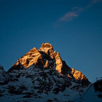 Sun setting on The Matterhorn by pluffy