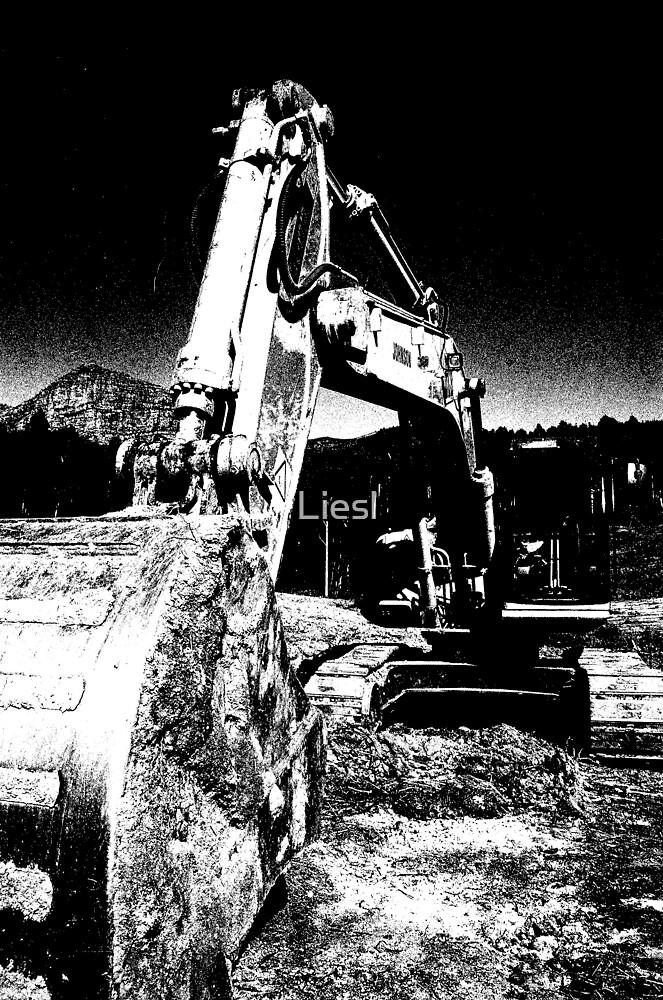 Mechanical monster by Liesl