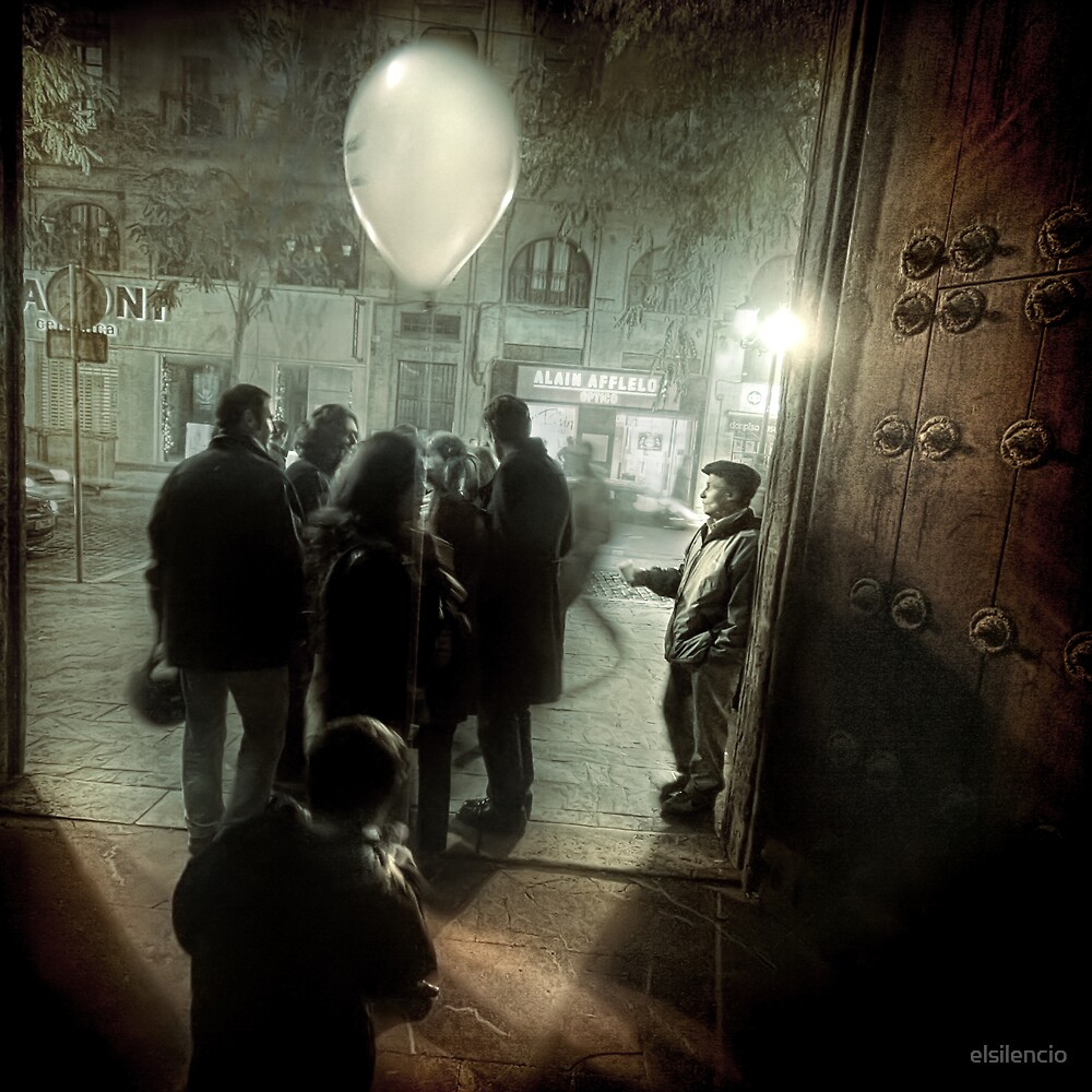 A balloon, an illusion and a brother by elsilencio