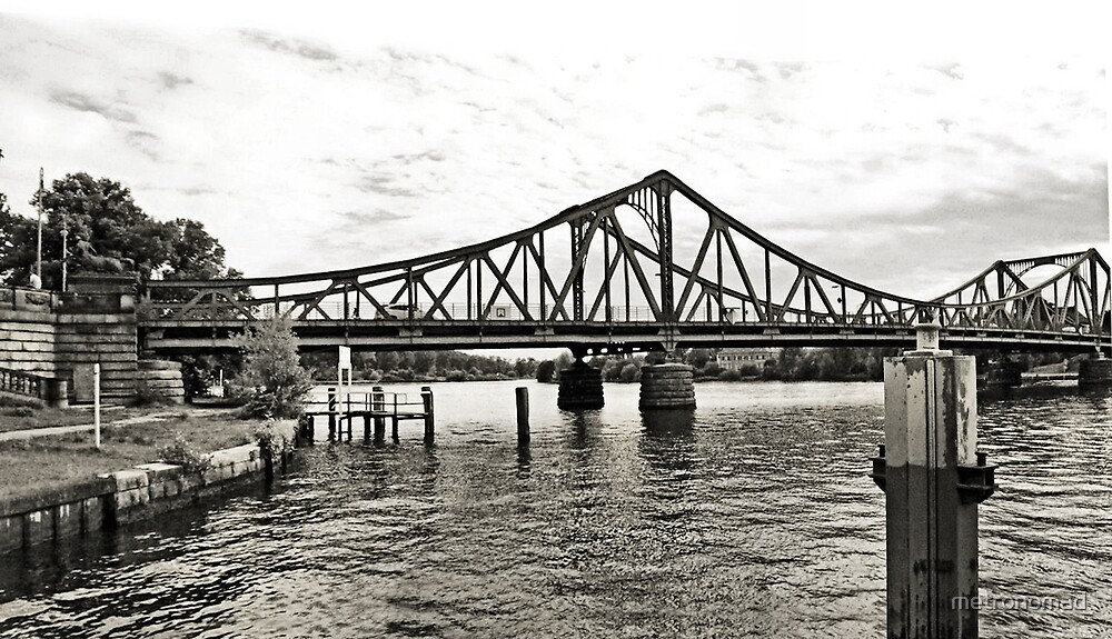 Glienicker Brücke by metronomad