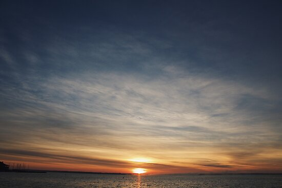 Sunrise  by alyssaschi