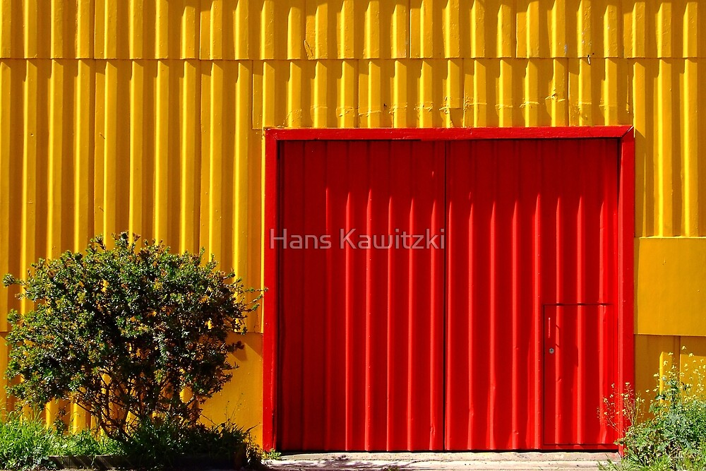 1284 Two door shed by Hans Kawitzki
