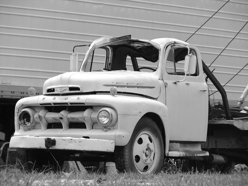 Old Tow Truck by inventor