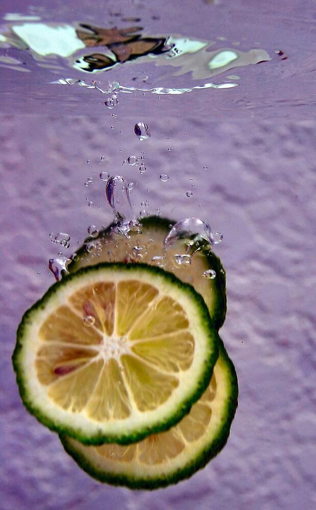 Splash of lemon by microshutter
