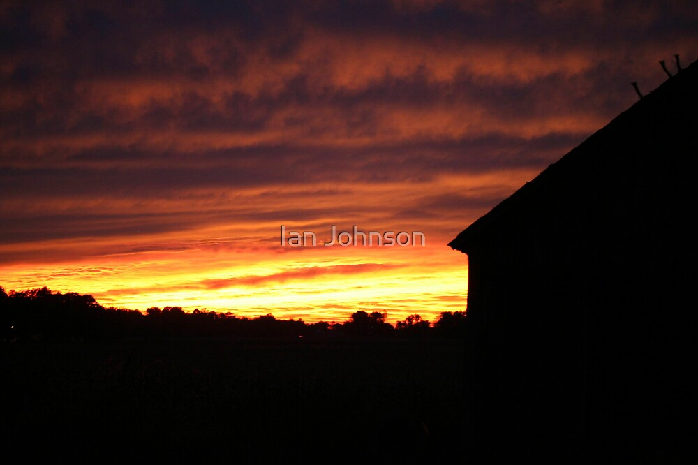 The Old Barn at Sunset by Ian Johnson