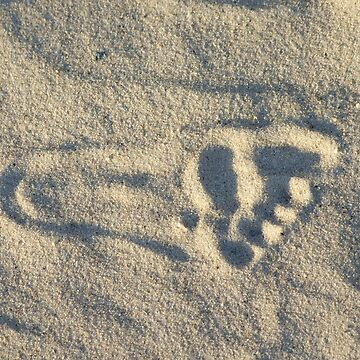 Footprint on the beach by Patje
