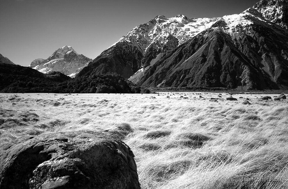 mt cook by Ian Robertson