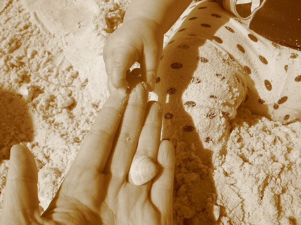 Hand in hand by choochy6