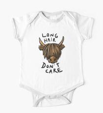 Lange Haare kümmern sich nicht - die Highland Cow Baby Body Kurzarm