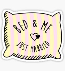 Bed & Me, Just Married Sticker
