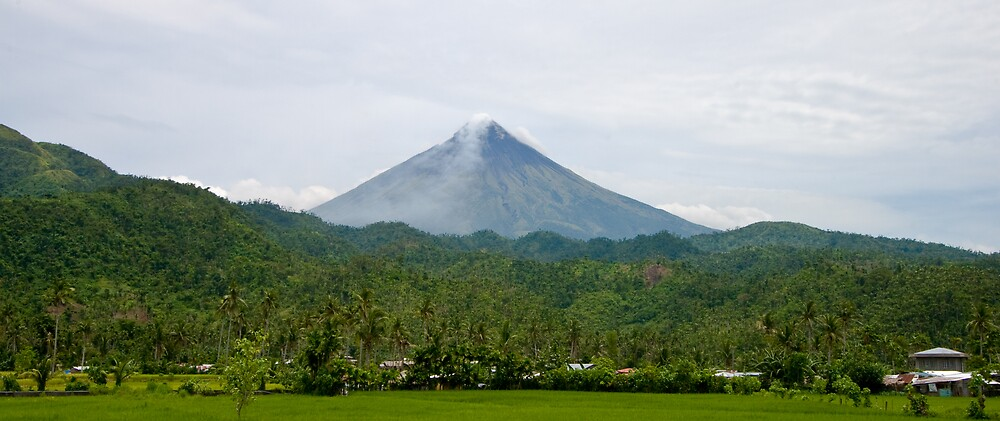 Mayon by dpearce