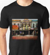 Americana - Signs - Feeding time 1936 Unisex T-Shirt