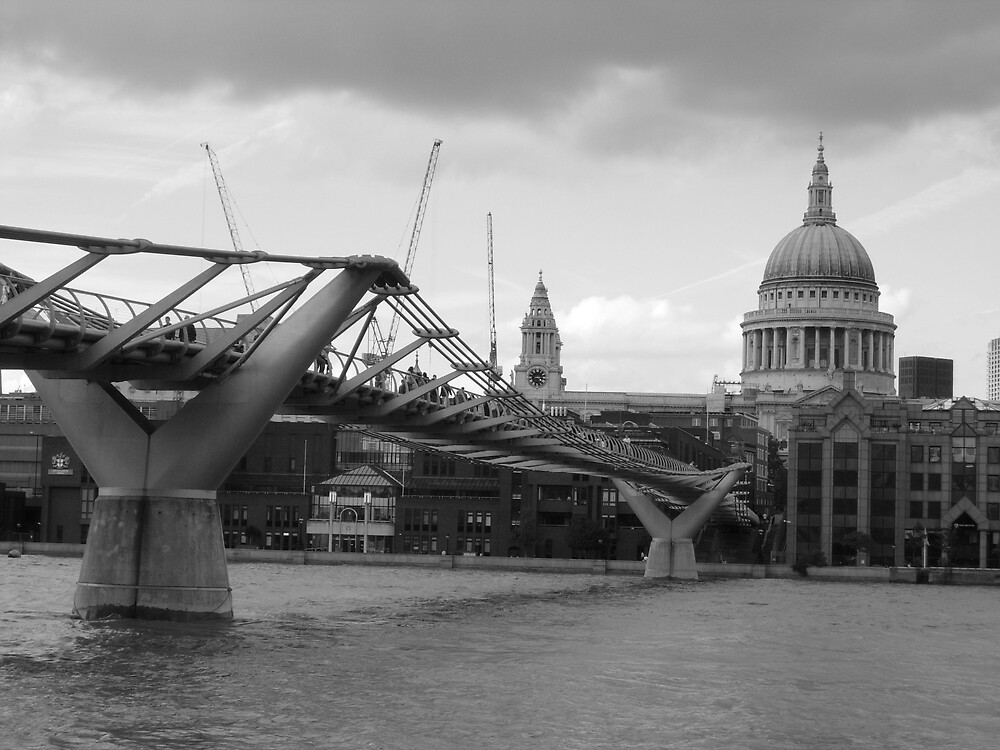Millenium Bridge & St Pauls by LauraM