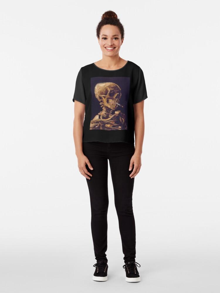 """Vista alternativa de Blusa """"Cráneo con un cigarrillo encendido"""" de Vincent Van Gogh"""